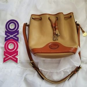 DOONEY &BOURKE all weather bucket shoulder bag